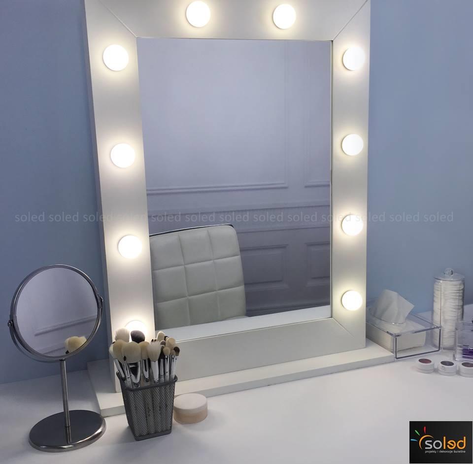http://soled.nazwa.pl/allegro1/allegro1/MakeUpStand/lustro-led-do-wizazu-makijazu-make-up-stand-soled-daniel-sobiesniewski-1.jpg