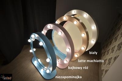 http://soled.nazwa.pl/allegro1/allegro1/MakeUpStand/okragle-lustra-w-ramie-z-podstawka-stojace-MakeUp-Stand-do-wizazu-SOLED-producent-kolory-400.JPG